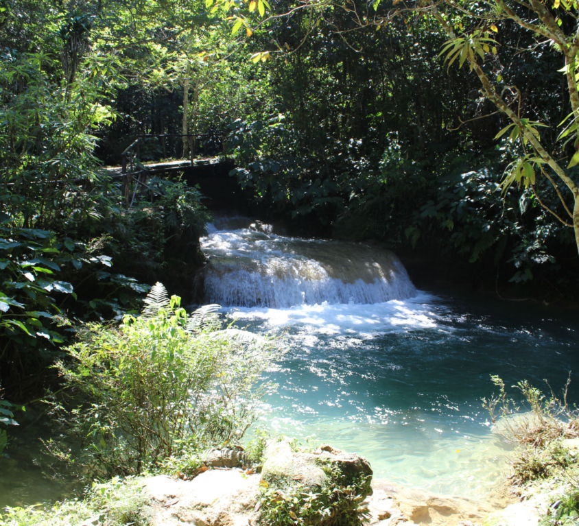 Bergfluss El Nicho